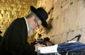 rav berland at the kotel