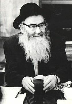 Rav Yitzchak Zilber (wikipedia)
