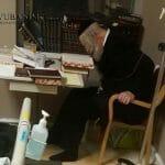 Rav Berland studying Torah in Hadassah hospital immediately after a serious operation