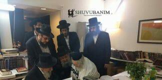 Rav Badani visits Rav Berland at Hadassah