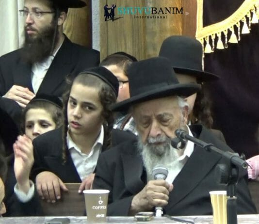 Rav Shimon Badani at Shuvu Banim in the Old City