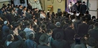 rav-berland-dancing-after-shiur-rehovot