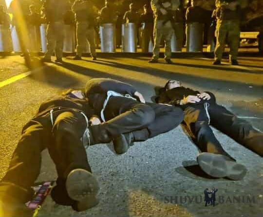 Jewish children sleeping on highway at Belarus - Ukraine border after being denied entry