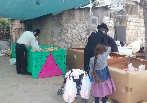 Food Distribution at Shuvu Banim